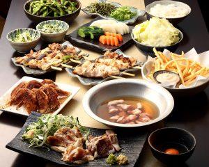 とりいちず食堂 川口東口店の鶏料理を満喫できる〈食べ放題×飲み放題コース〉